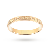 9 Carat Yellow Gold 2.5mm Ladies Single Row Sparkle Wedding Ring