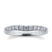 Brilliant Cut 0.31 Carat Total Weight Diamond Set Ladies Shaped Wedding Ring in Platinum