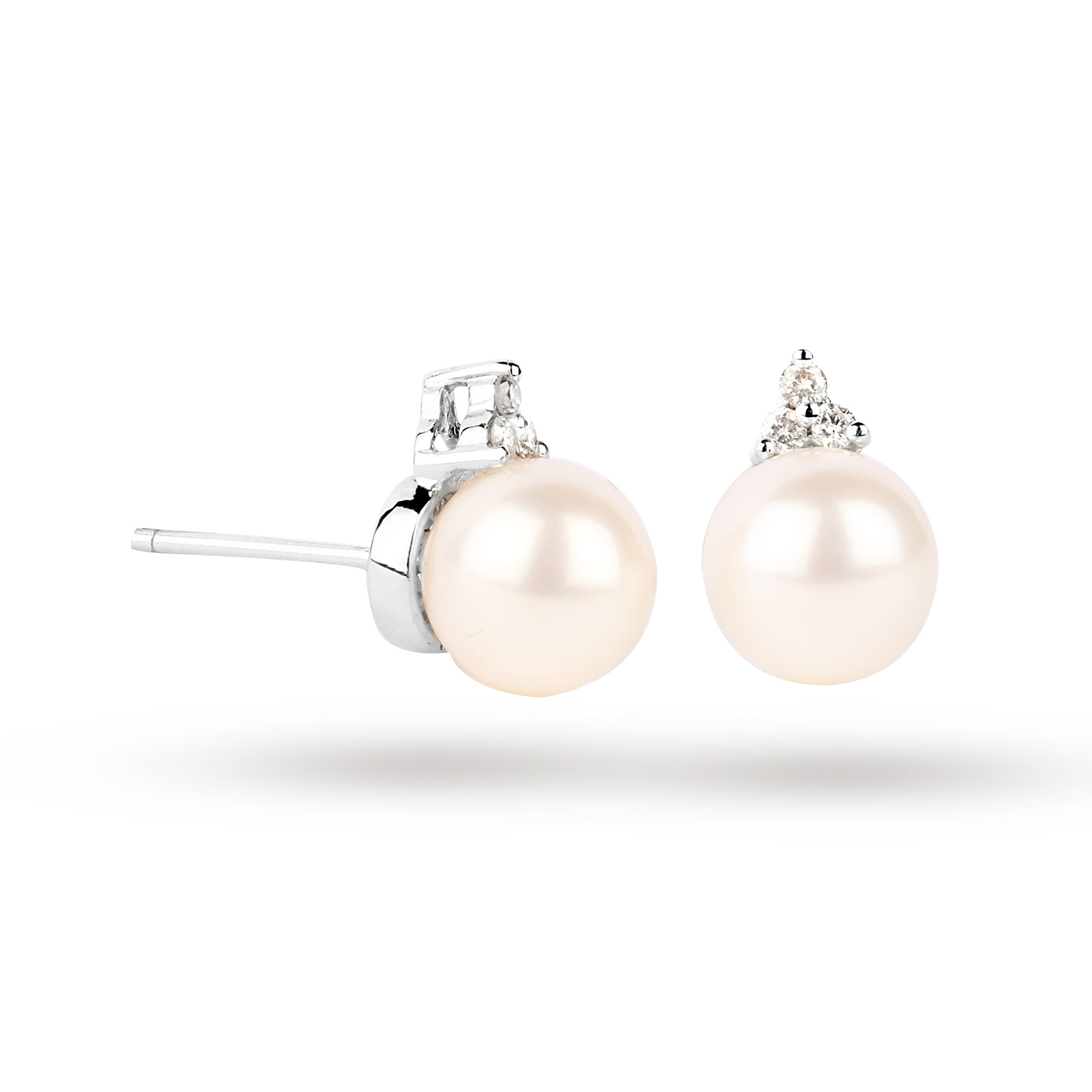 9ct White Gold Fresh Water Pearl Stud Earrings